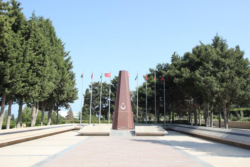 Мемориал погибшим турецким солдатам в Баку