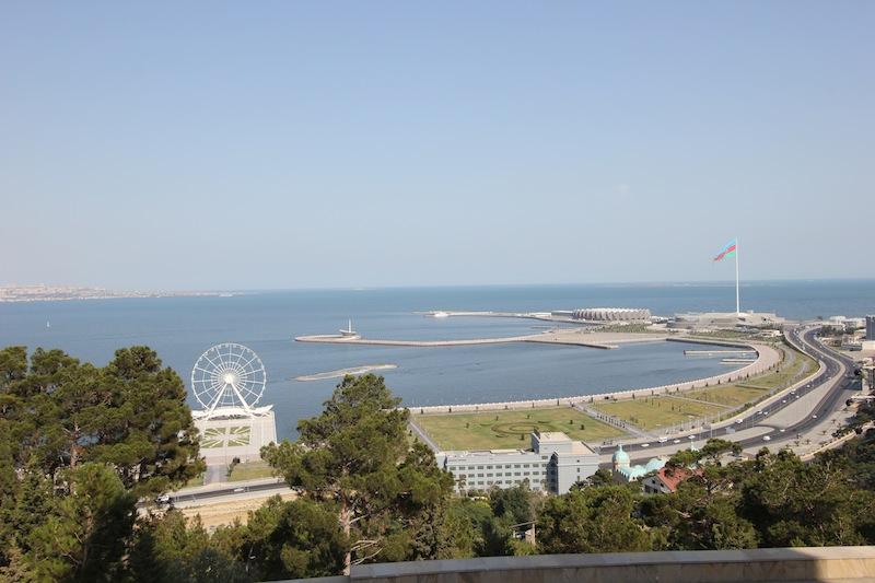 Панорама южной оконечности Бакинской бухты