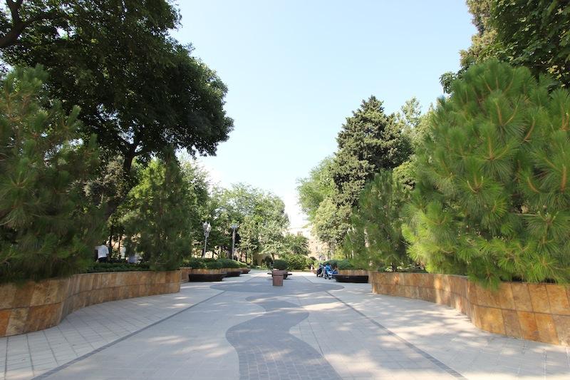 Филармонический сад в Баку