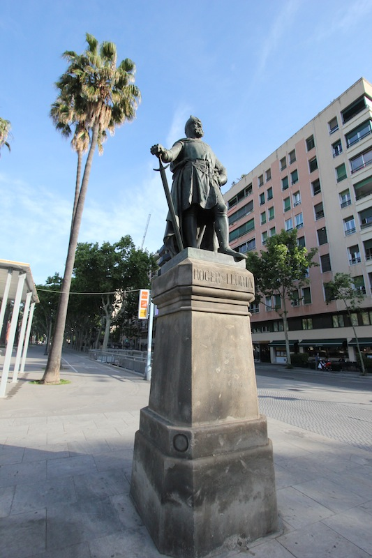 Памятник Руджеро ди Лауриа