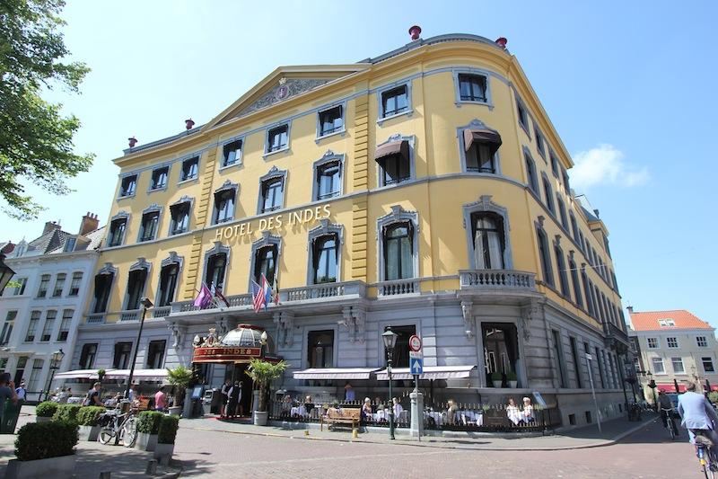 Отель Des Indes на улице Ланге Ворхаут