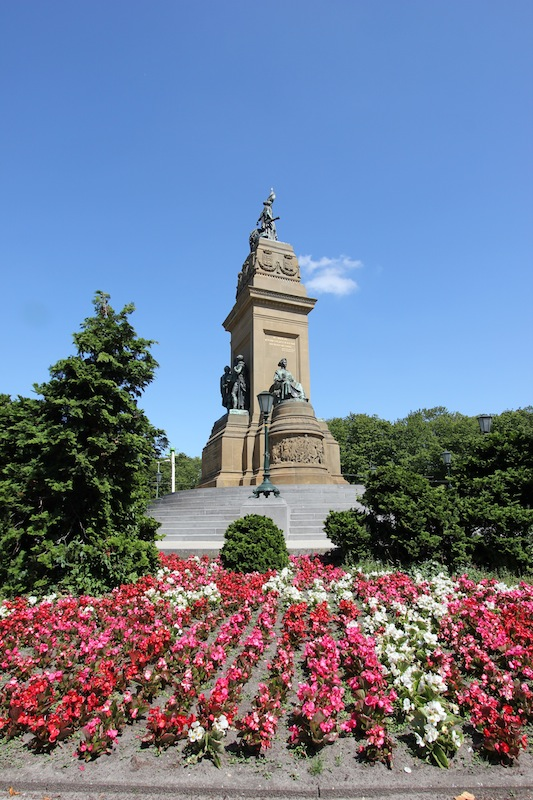 Национальный монумент 1813 в Гааге