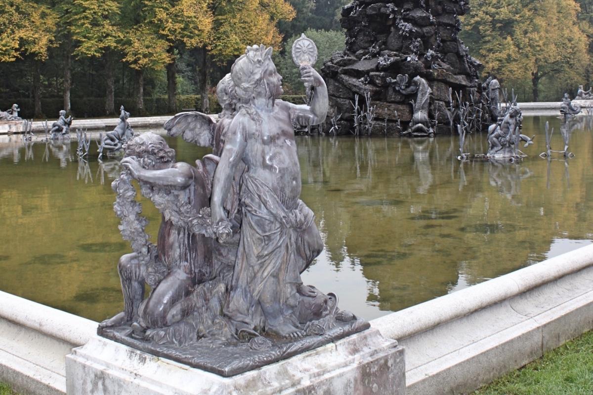 Дворец Херренкимзе. Скульптура в водном партере