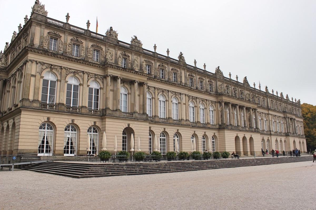 Дворец Херренкимзе. Западный фасад