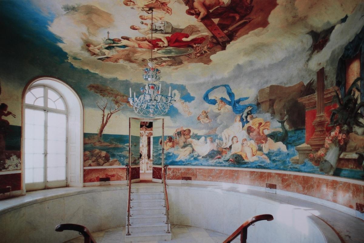 Дворец Херренкимзе. Купальня (фото с открытки)