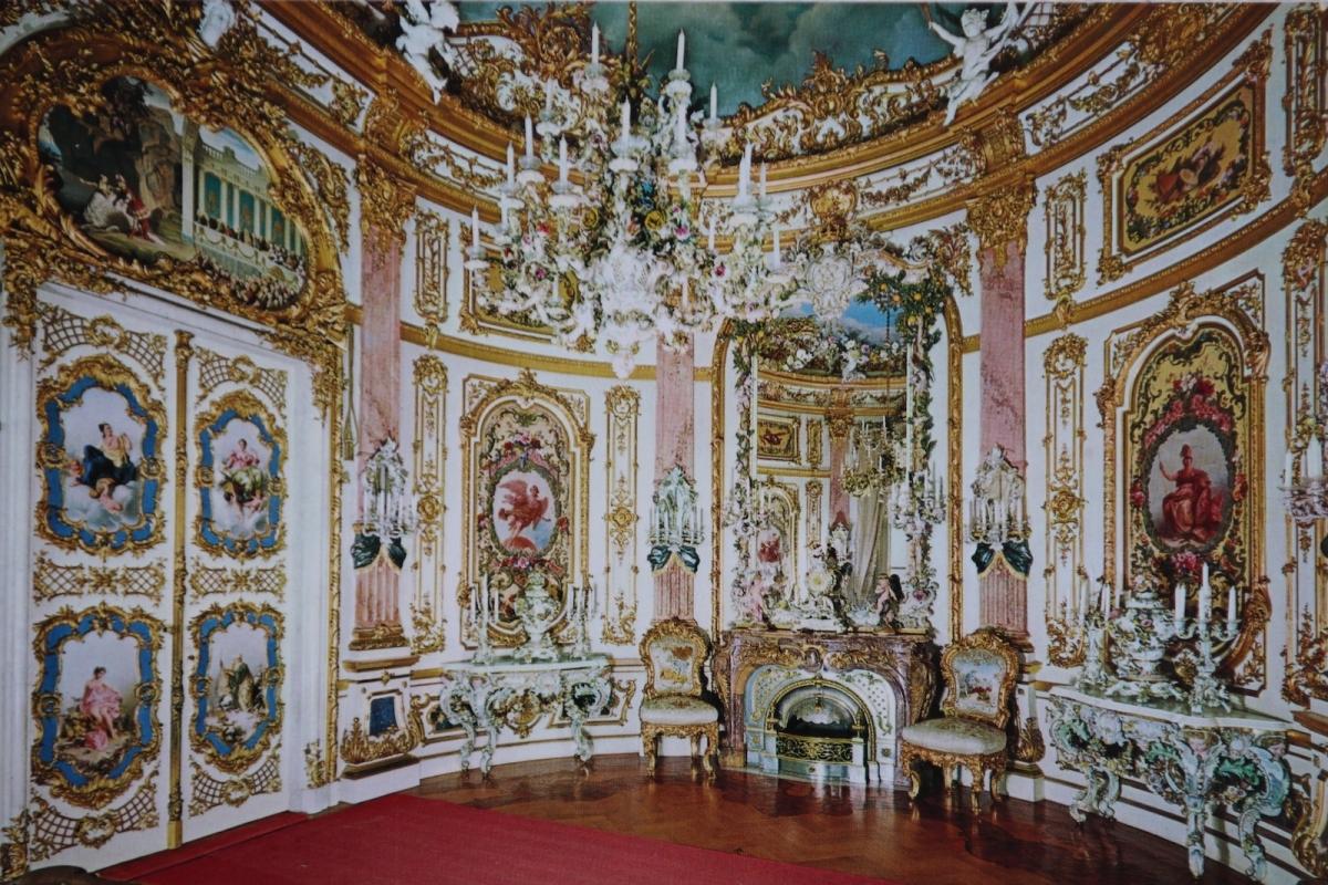 Дворец Херренкимзе. Фарфоровый кабинет (фото с открытки)