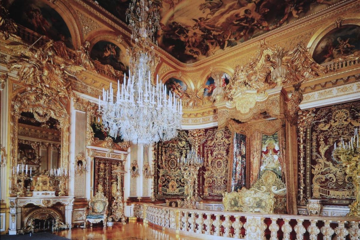 Дворец Херренкимзе. Парадная спальня (фото с открытки)