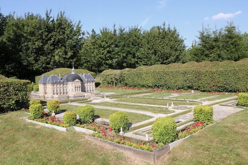 Усадьба и дворец Во-ле-Виконт в Мелёне