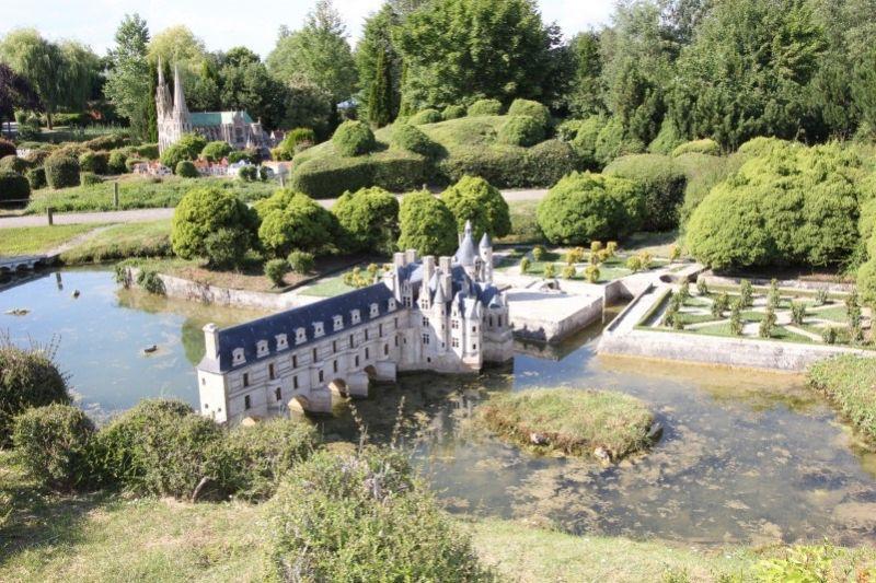 Замок Шенонсо на реке Шер