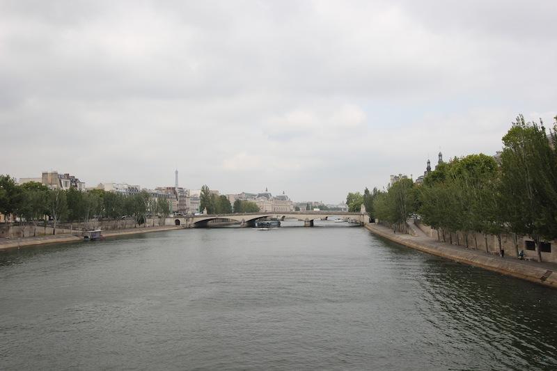 Вид на мост Каррузель