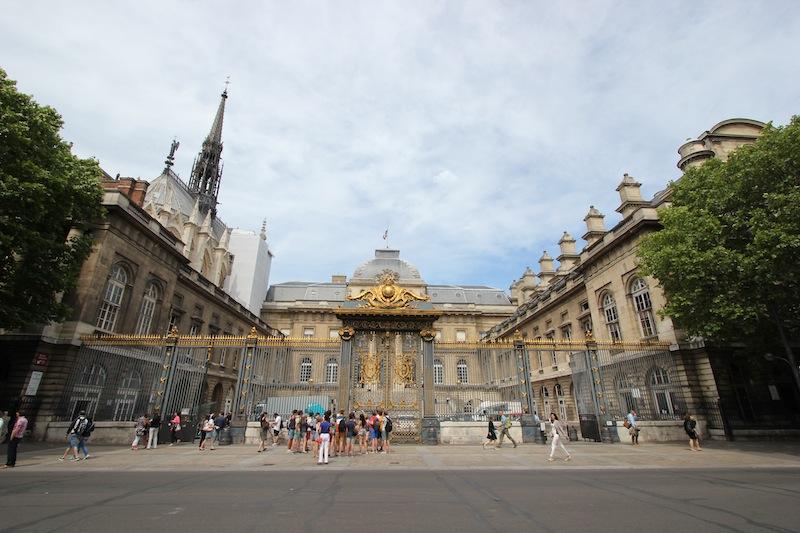 Дворец Правосудия и башня Святой капеллы