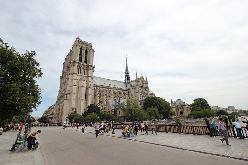 Вид на собор с моста Двойного Денье