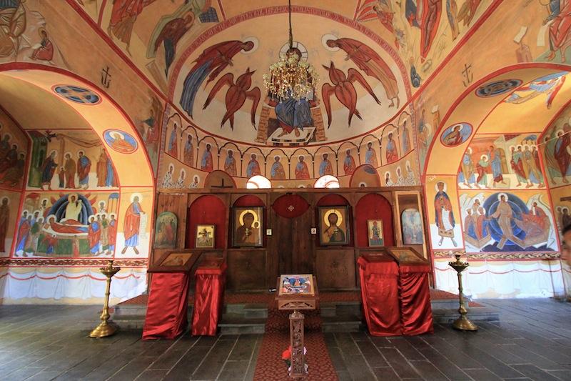 Интерьер церкви св. Георгия в селе Ках-Ингилой