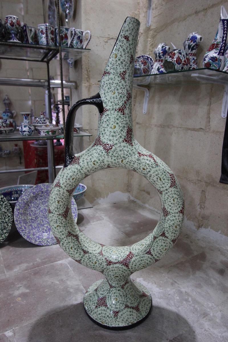 Хеттский кувшин с османским растительным орнаментом