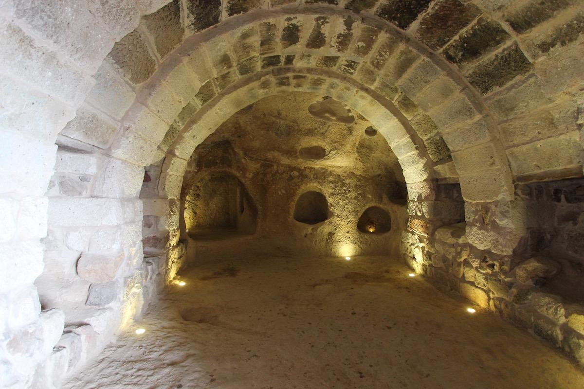 Помещение внутри крепости Учхисар