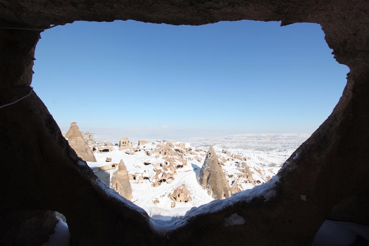 Из этой пещеры открывается прекрасный вид на Голубиную долину