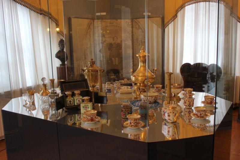 Экспонаты выставки Чаепитие в усадьбе