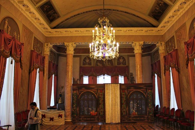 Колонный зал дворца Н. А. Дурасова