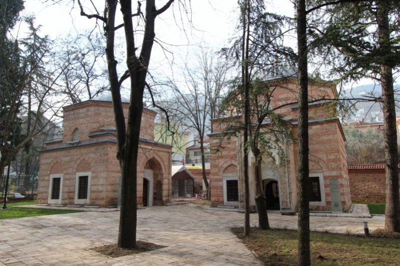 Мавзолеи Гюльшан Хатун и Мукриме Хатун