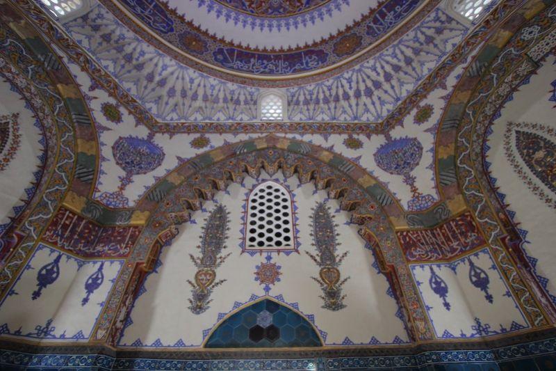 Интерьер мавзолея Джем-Султан