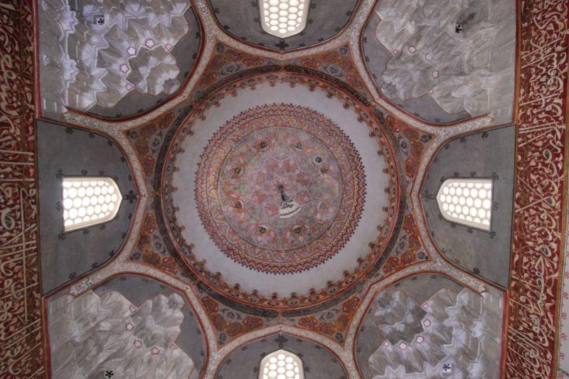 Интерьер мавзолея Гюльрух Хатун