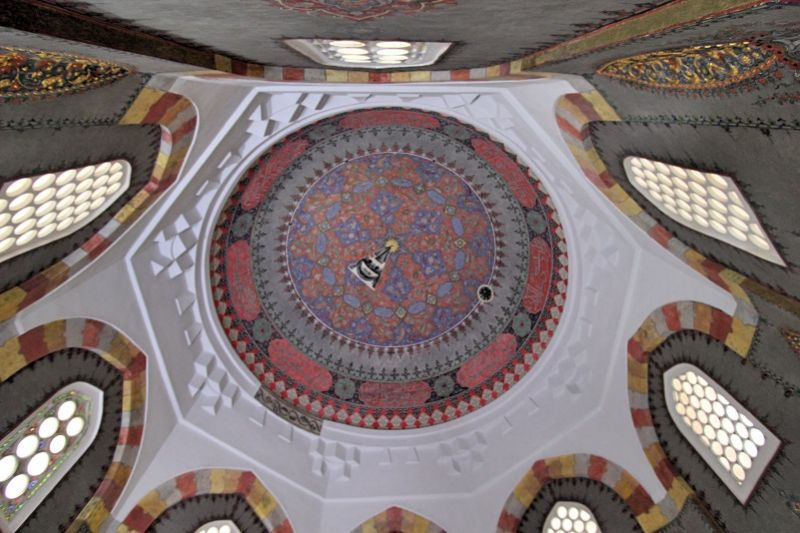 Интерьер мавзолея шехзаде Махмуда