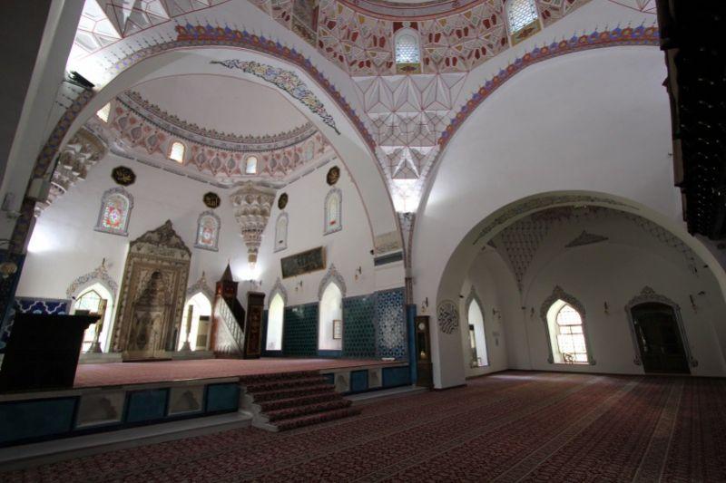 Интерьер мечети Мурадие