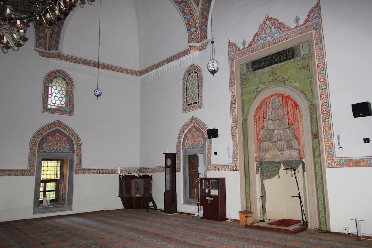 Интерьер мечети Куршунлу