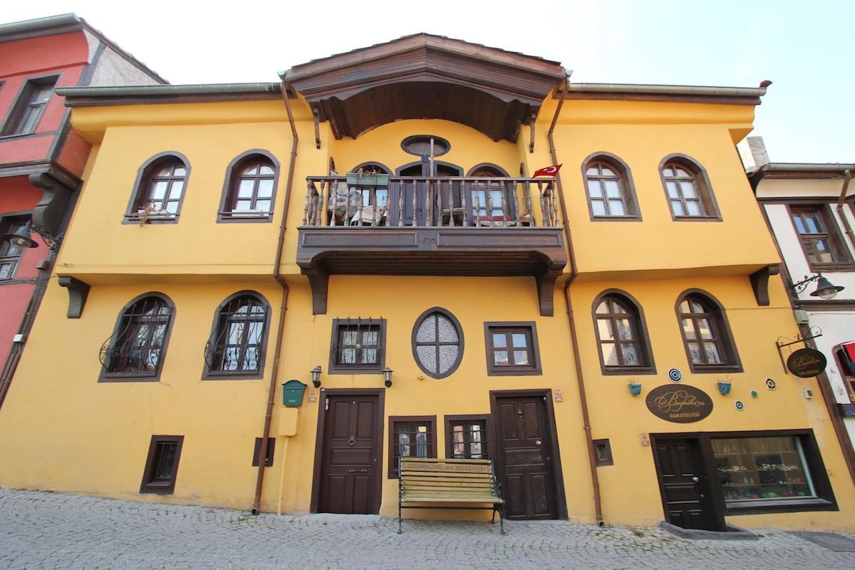 Историческое здание на улице Мюфтюлер