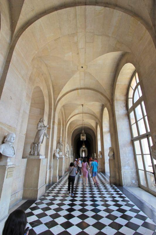 Одна из галерей Версальского дворца