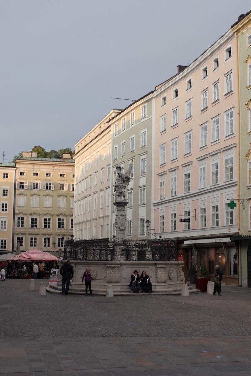Фонтан со статуей св. Флориана