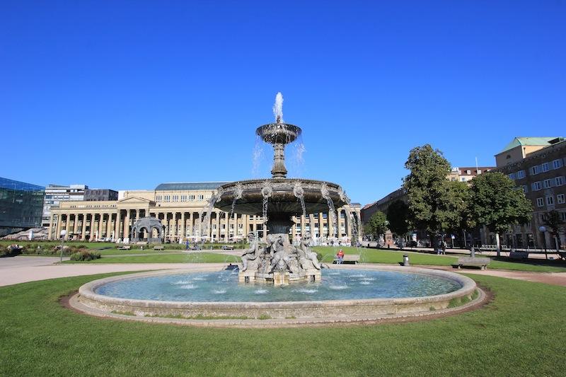 Фонтан с херувимами на Дворцовой площади