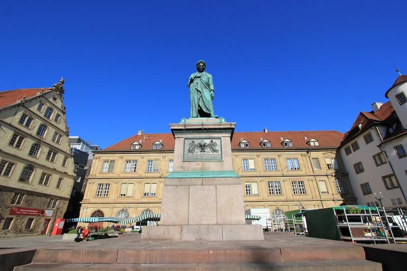 Памятник Шиллеру в Штутгарте