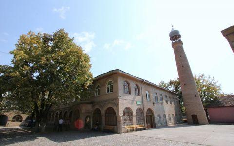 Джума-мечеть в Шеки